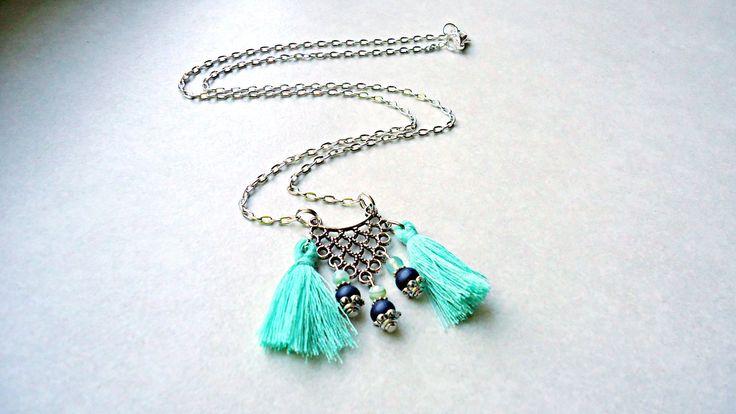 Collier ethnique, collier vert menthe-collier mexicain-collier pompon et perle de jade de la boutique MoonConnectionDesign sur Etsy