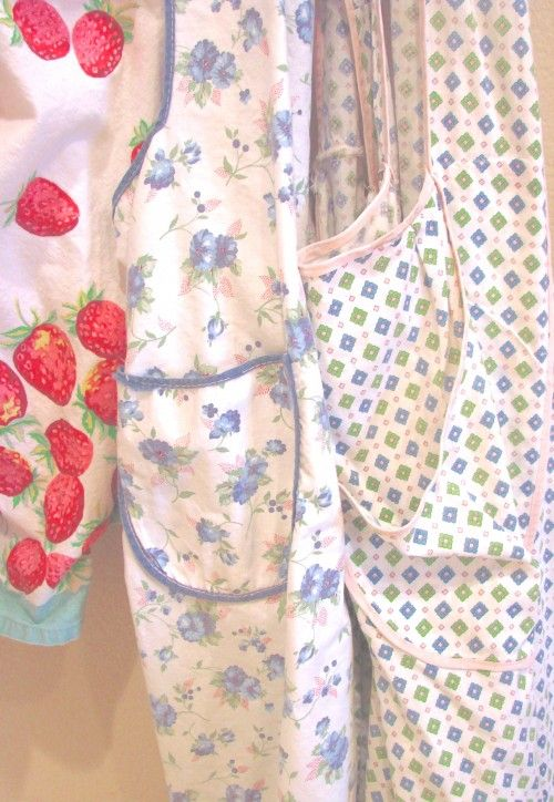 Sugar Pie Farmhouse - love these vintage aprons reminds me so much of my great grandma