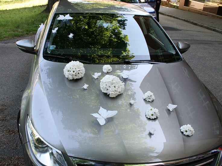 www.jo-jo-flowers.co.uk Wedding car decoration