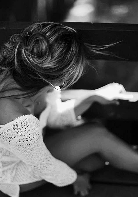 La realtà di questa Vita è che troppa Gente ti cancella l'entusiasmo, la voglia di fare e realizzare qualsiasi cosa. Mi chiedo a dove sia finito il valore di qualsiasi gesto? Amicizia compresa..   (Margherita Marsili)