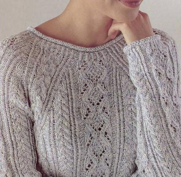 Пуловер с косами: поперек, розовый, светло-коричневый, бежевый, с ажурным узором и косами, с переплетением кос