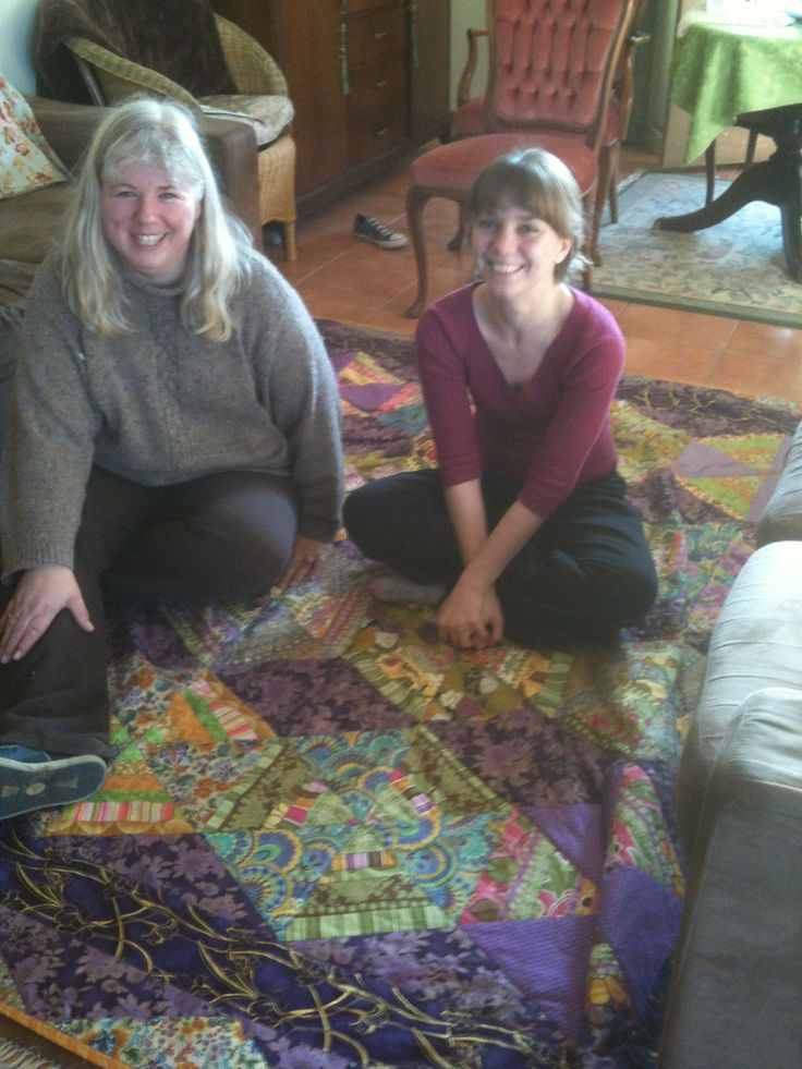 Hayley and Therese enjoying the beautiful quilt