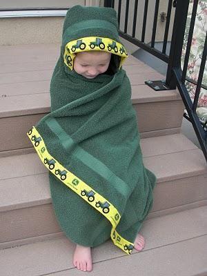 DIY Tutorial: Baby Stuff / baby hooded bath towel tutorial - Bead&Cord