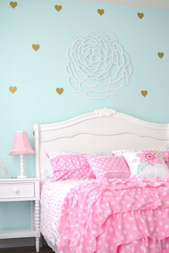 Pink, Aqua and Gold Big Girl Room - love these heart decals in this girly room!