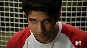 Tyler-Posey-Eyes-Teen-Wolf