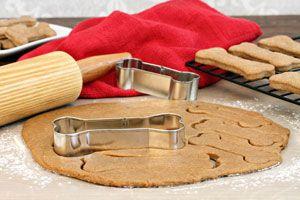 ***¿Cómo hacer Galletas Caseras para Perros y Gatos?*** Aprende 2 recetas fáciles para hacer galletas caseras para perros y gatos, utilizando ingredientes seguros y saludables...SIGUE LEYENDO EN... http://comohacerpara.com/hacer-galletas-caseras-para-perros-y-gatos_11247h.html