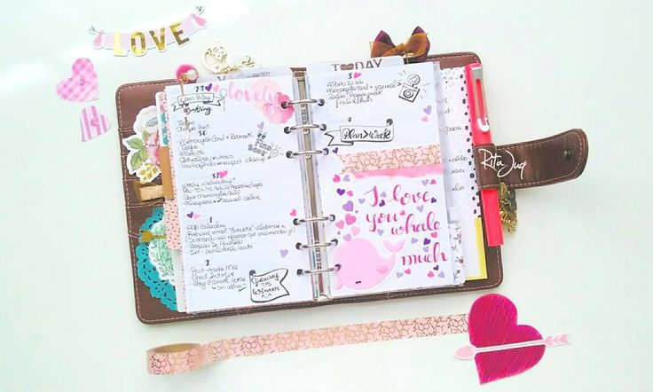 #planningwithjuq 💕🐳*Week of Jan 29th🐳💕 I don't exactly do themes on my #planner but you guys probably noticed (...crickets) I've had some #love themed weeks this January & guess what? This last #weeklyspread happened to be no exception. I figure my #penpals are to blame😘'cause they've gifted me such cute cute cute #diecuts so what could I do? Anyway, this time, I wrote a not...