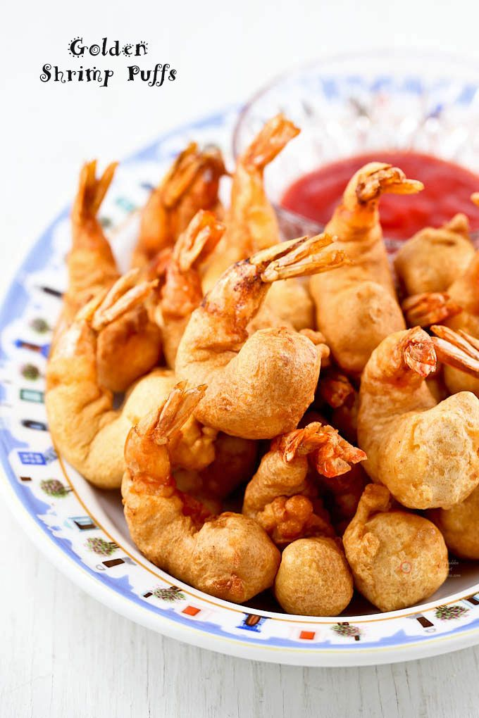 Quick and easy deep fried Golden Shrimp Puffs. Delicious served with sweet chili sauce. Perfect as an appetizer or a side dish. | RotiNRice.com