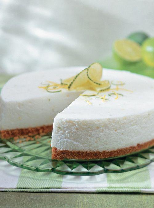 Gâteau au fromage allégé  ***Note: je le ferais moins sucré la prochaine fois. Excellent avec du citron Meyer!
