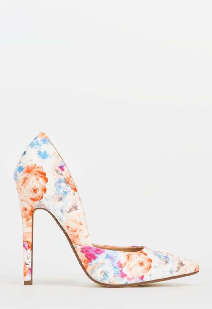 13 zapatos estampados... y ¡llenos de flores! - http://estasdemoda.com/zapatos-estampados/