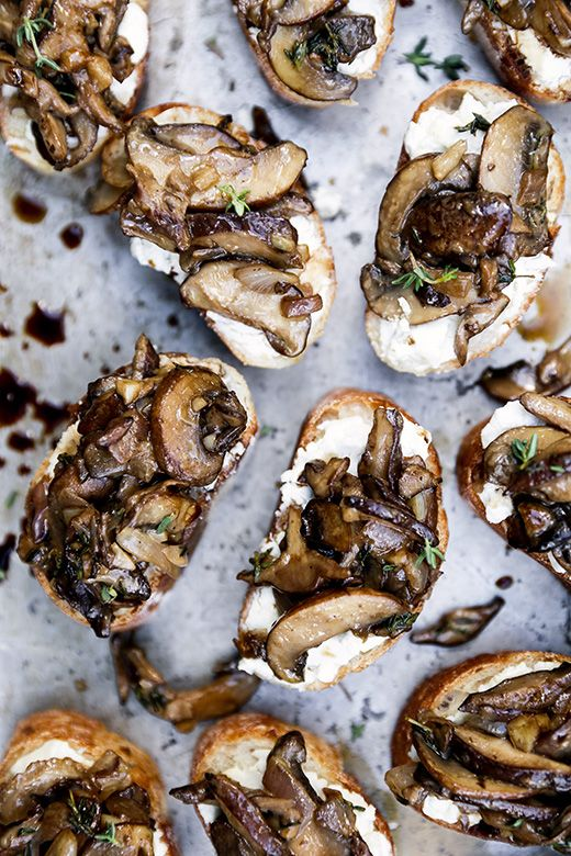 Mushroom and Goat Cheese Crostini by the floatingkitchen #Appetizer #Crostini #Mushroom #Goat_Cheese