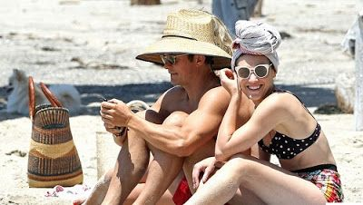 Orlando Bloom Spends Time On The Beach With Katy Perry Lookalike