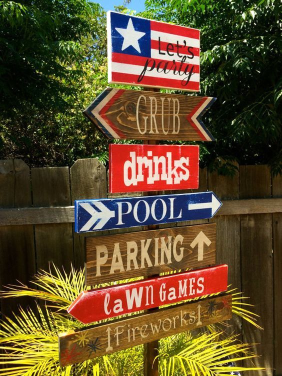 4th of July Decoration Sign / http://www.himisspuff.com/red-white-and-blue-4th-of-july-wedding-ideas/3/