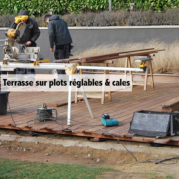 Terrasse réalisée sur plots réglables & cales pvc  COTE TERRASSE