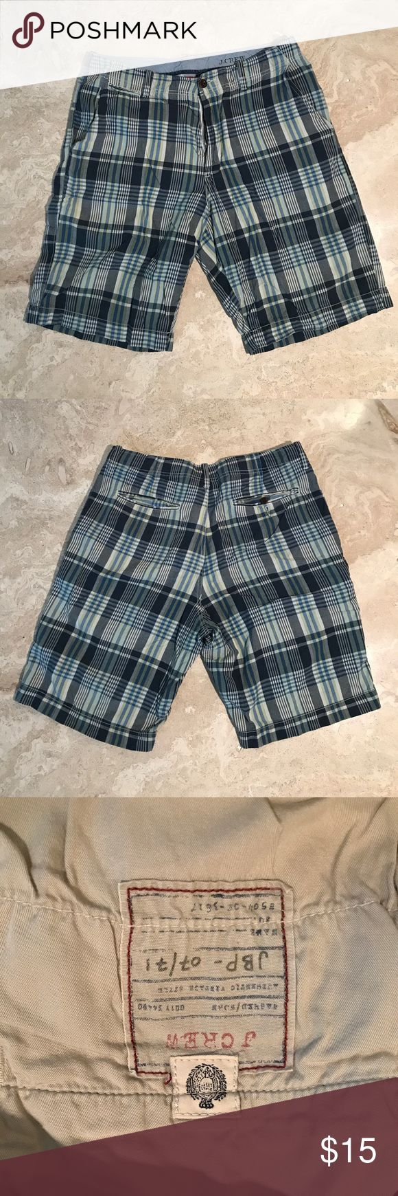 J Crew Men's plaid shorts 33W in blue Great for summer. Previously loved but in great condition. J. Crew Shorts Flat Front