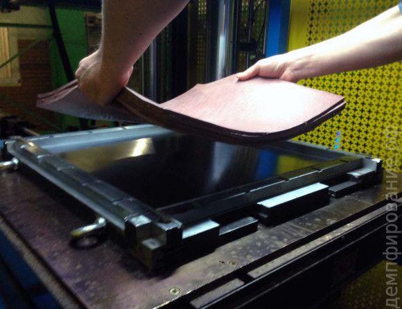 #Изготовление в прессе #вибродемпфирующих пластин #Nowelle mod.3 на #производстве НТЦ Резина