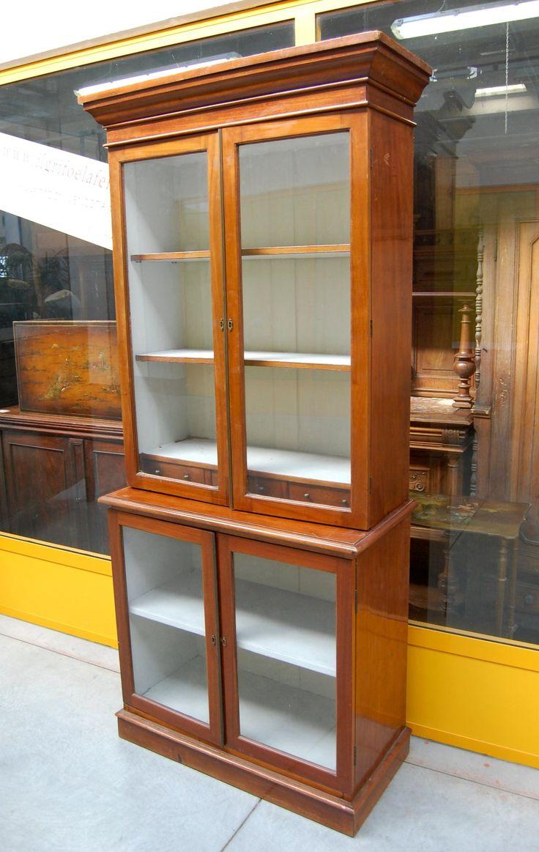 Vetrina doppiocorpo in mogano Napoleone III da farmacia vetri originali