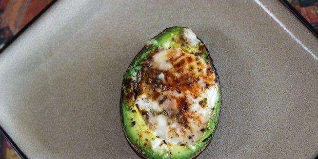 Avocado uit de oven, ontbijt/lunch