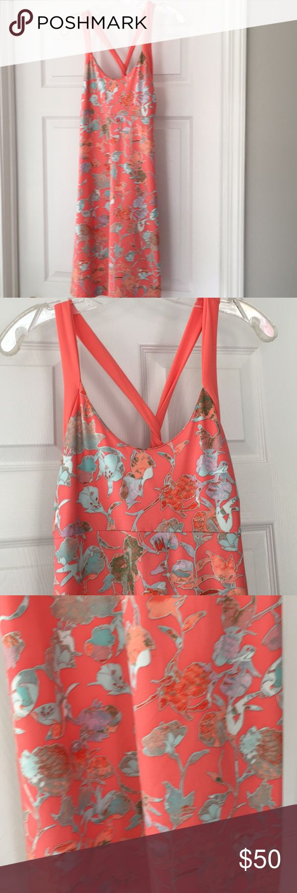 Patagonia size medium peach floral dress Beautiful and like brand new (worn once) Patagonia dress size medium with built in shelf bra Patagonia Dresses Midi