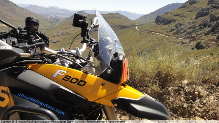 Pass behind the F800