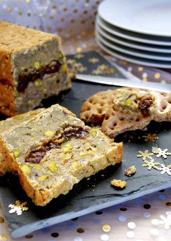 Terrine rustique-chic pruneaux, châtaignes, pistaches, cognac #vegan | Green Cuisine