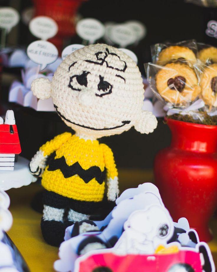 """47 curtidas, 1 comentários - Nath Toledo Festas (@nath_toledo) no Instagram: """"detalhes da Festa Snoopy ❤️ click #encantos.revelados #snoopy #peanuts #festasnoopy #decoracao…"""""""
