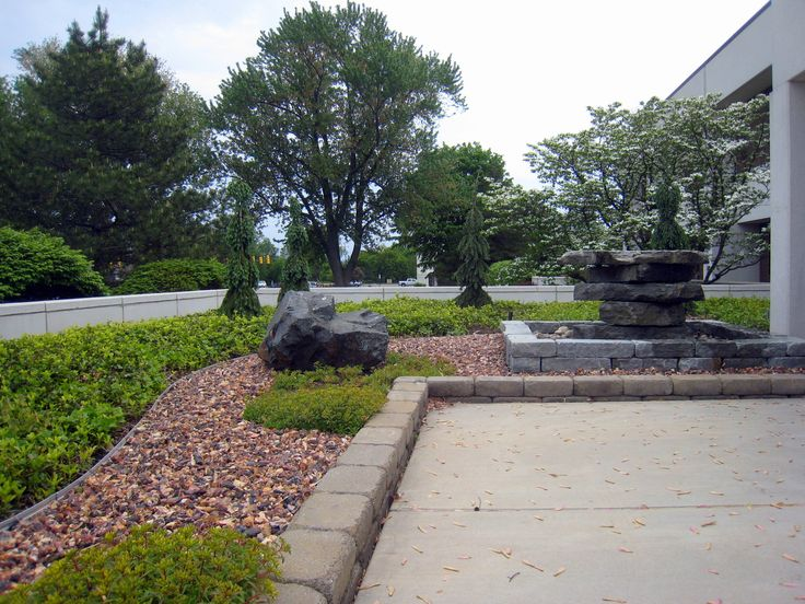 Galleries everett 39 s landscape of grand rapids mi for Landscaping rocks grand rapids mi