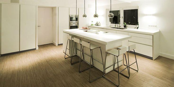 Een praktische en effici nte oplossing van bulthaup voor kleine keukens een kook of - Optimaliseren van een kleine keuken ...