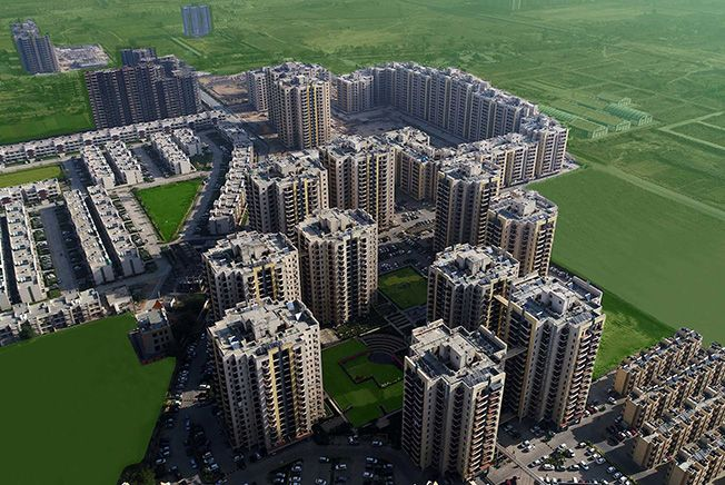 This RPS city day by day putting greens, park and playgrounds are placed in RPS city. Metro and Delhi NCR is nearby from this RPS city. RPS city also have their own shopping centers, gym, spa and also swimming pool.