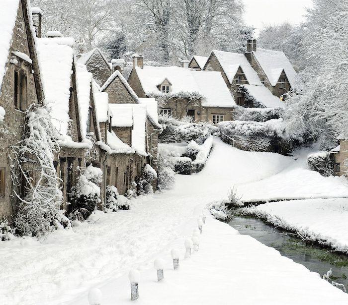 bilbury village - england - snow - winter