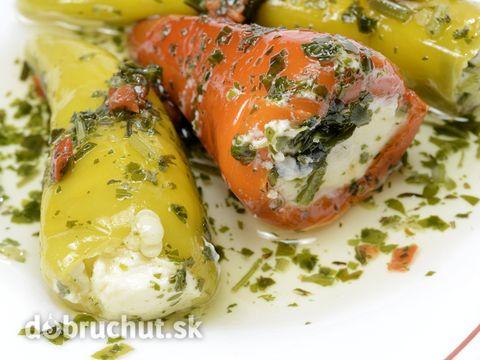 Papriky plnené bylinkovým syrom