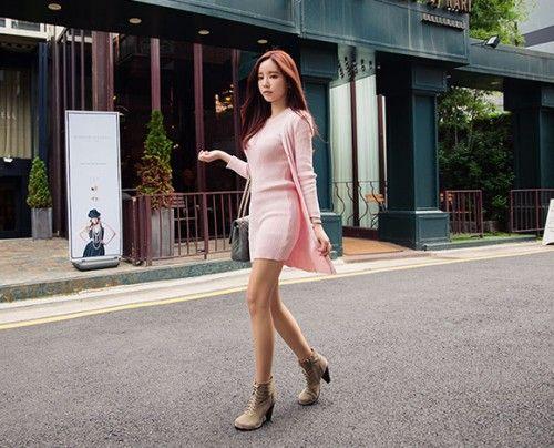 Today's Hot Pick :ストライプアミベーシックロングカーディガン【CHUU】 http://fashionstylep.com/P0000PLB/chuukr/out 凹凸感のあるストライプ柄が特徴的なロングカーディガンです。 体に沿ってスリムにフィットし、女性らしいシルエットを演出します。 ヒップを襲うロングな丈感で安定感があり、大人気な雰囲気をプラス♪ 無駄のないすっきりとしたデザインなのでオールシーズン使える一品です。 ◆4色:ブラウン/ブラック/ピンク/アイボリー