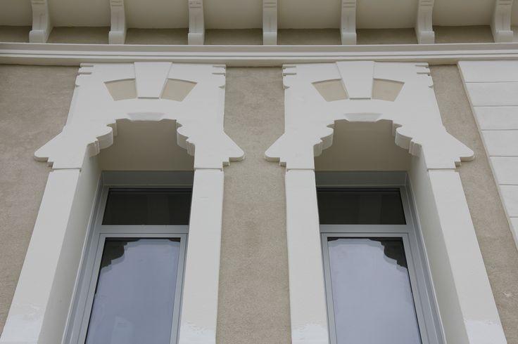 Cornici per finestre decori finestre decorazioni in - Decorazioni per esterni ...