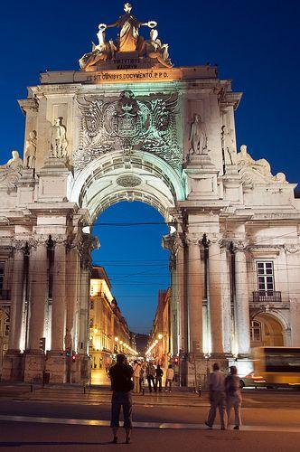 Praça do Comércio ou Terreiro do Paço-Arco da rua Augusta  -   Lisboa, Portugal