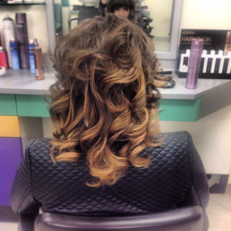 Riccioli morbidi...#hair #hairstyle #instahair #TagsForLikes #hairstyles #haircolour #haircolor #hairdye #hairdo #haircut #longhairdontcare #braid #fashion #instafashion #straighthair #longhair #style #straight #curly #black #brown #blonde #brunette #hairoftheday #hairideas #braidideas #perfectcurls #hairfashion #hairofinstagram #coolhair