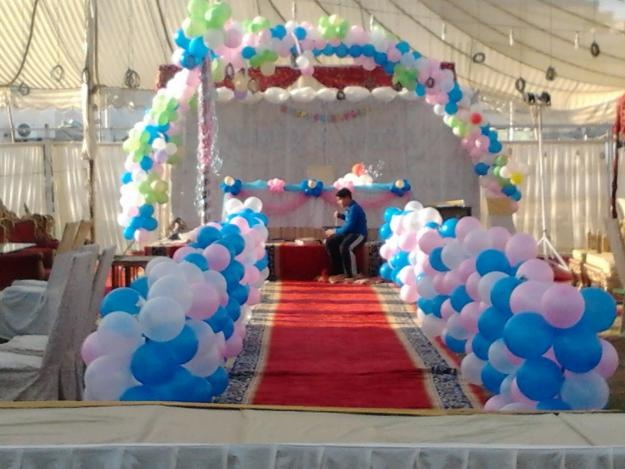 271 best images about decorate with balloons on pinterest for Balloon decoration for stage