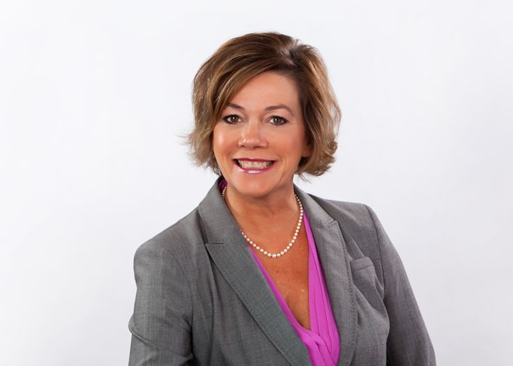 Sallie Jarosz, Senior Vice President of Cresa Charlotte, was an important member of the dream team who represented DARTON's commercial real estate interests in our 2014 move to Charlotte's South End district.  Fun, sassy, and darn good at her profession!  http://www.cresa.com/charlotte