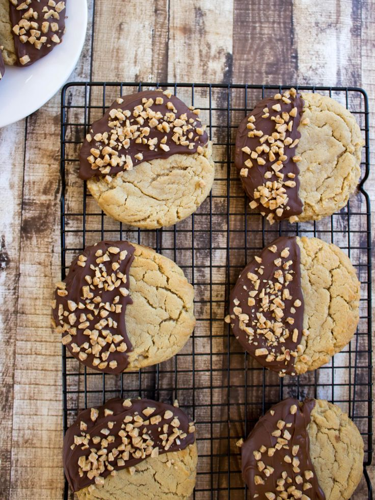 Best ever Peanut Butter Cookies-- Giant, soft peanut butter cookies dipped in milk chocolate and sprinkled with toffee bits!