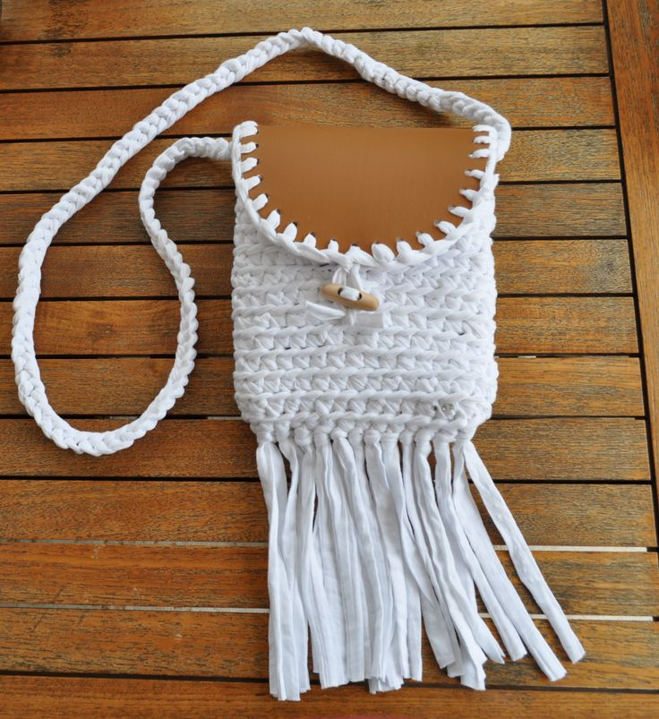 white shoulder bag, hippie-style,crocheted,in cotton ribbon,perfect gift,choose your color! di AlwaysLoveAffairs su Etsy