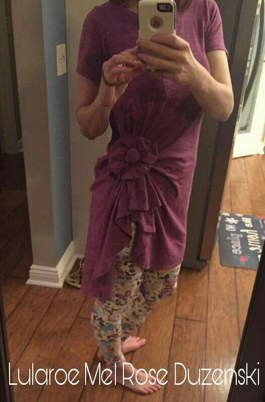 my good Friend Melanie and her super cute Lularoe Carly, tied so clever. There are so many style options with Lularoe