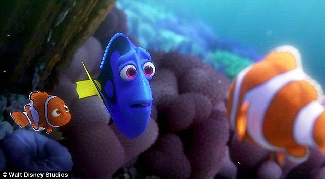Sean Spicer denies Trump watched Finding Dory | Daily Mail Online