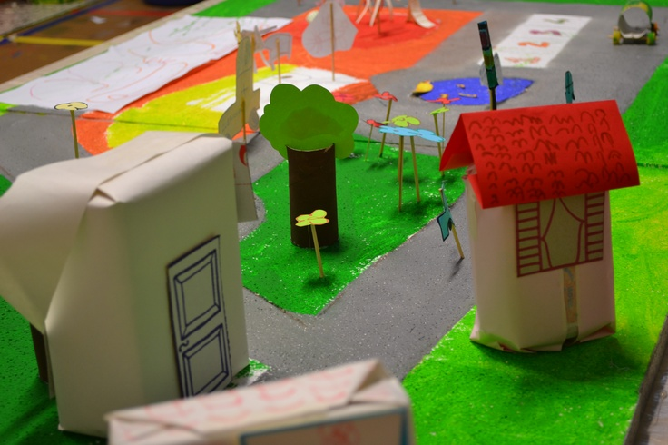 City of 4 - 5 years old kids. Playroom directed by ARTincorpo in County Library, La Maddalena Island ( OT, Italy )