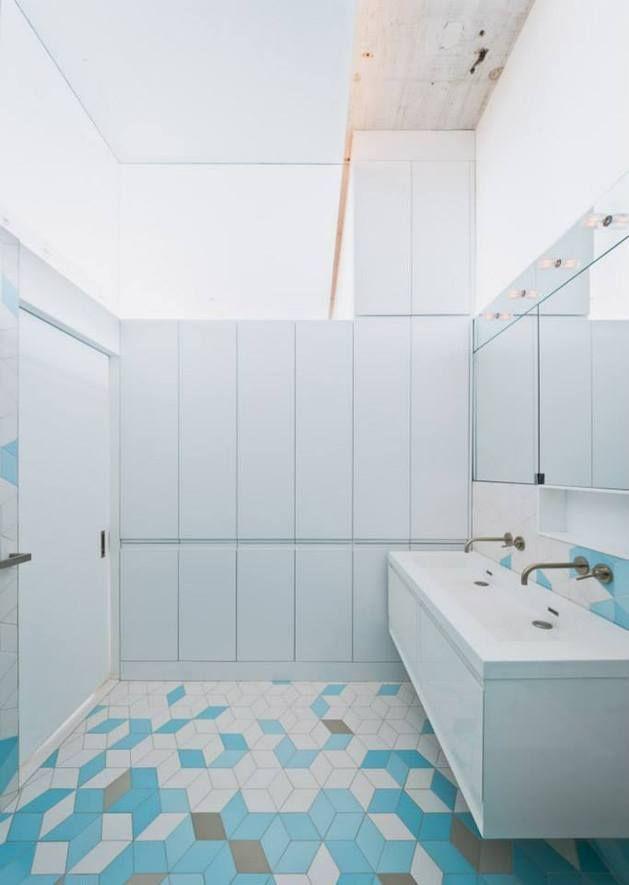 Creative Storage Wall Enthalt Stairwell To New Mezzanine Badezimmer Einrichtung Badezimmer Design Badezimmer Innenausstattung