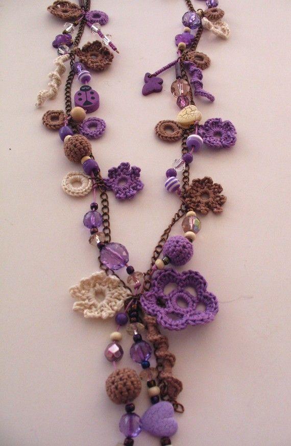 crochet necklace ✿⊱╮Teresa Restegui http://www.pinterest.com/teretegui/✿⊱╮