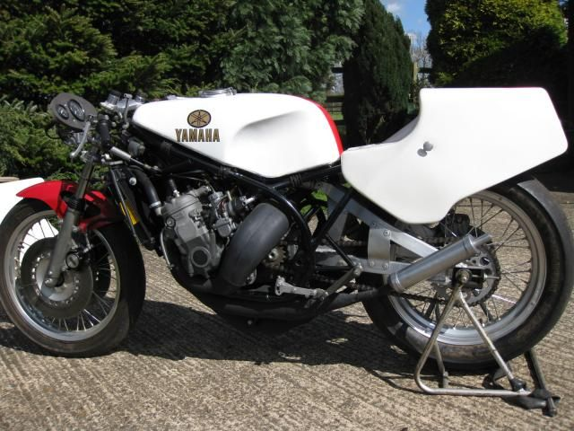 157 best images about moto yamaha on pinterest for Garage yamaha scooter