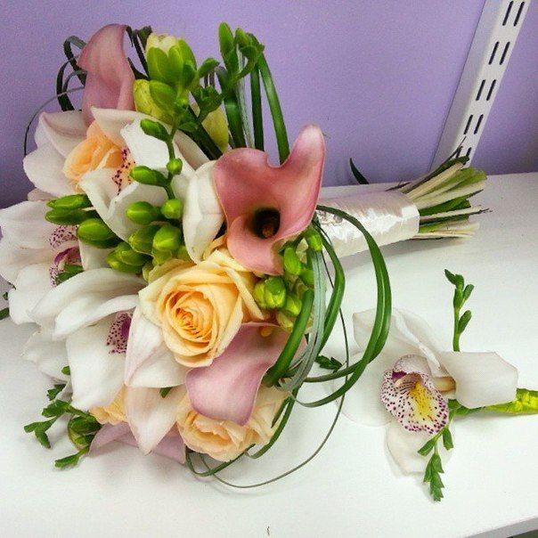 ГлорДекор Букет невесты из калл и орхидеи