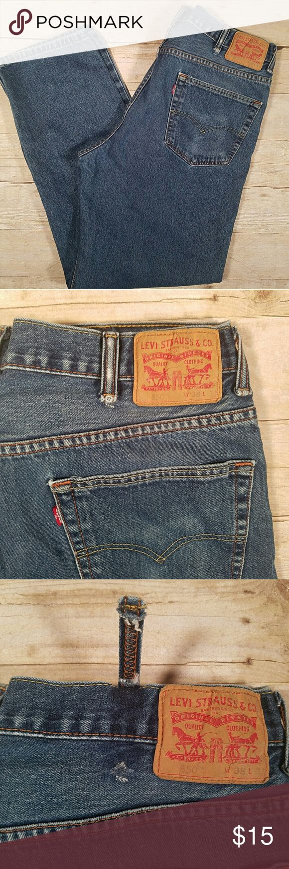 Men's Levi's relaxed fit 550 38 x 34 medium wash Men's Levi's, relaxed fit 550 in size 38 x 34. Be there a medium wash. These are in great shape, with only slight fading around the pockets. Grab them cheap because one belt loop is popped off, see photos! Levi's Jeans Relaxed