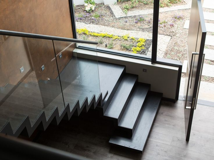 Welgedacht Villa - stairs in double volume - beautiful! done by Rootform