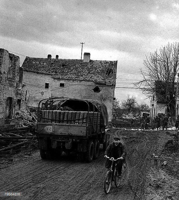 Le village de Ostheim le 12 Février 1945   Village, Le village