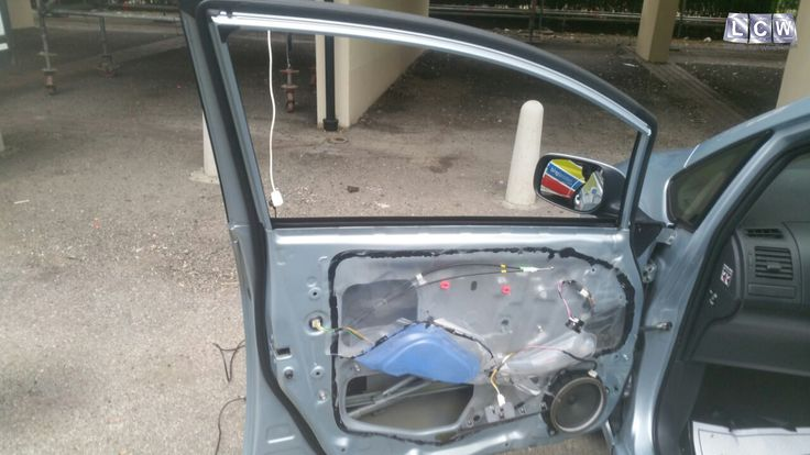 Toyota Auris Front Door Glass Replacement - Before Photo & 11 best Toyota Car Glass and Windscreen Repair and Replacement ...